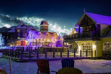 hospedaje: Blue Mountain Village en invierno Foto de archivo