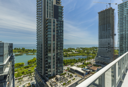 Residential Buildings in Downtown Toronto on the lake shore of Ontario Standard-Bild