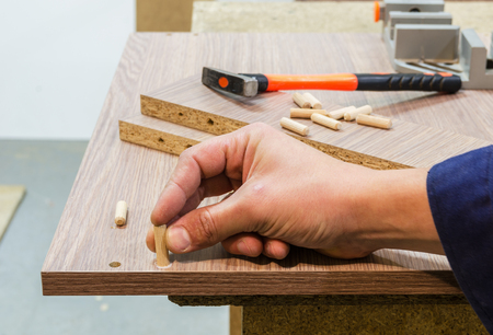 pva: Bonding and assembly of furniture on the wooden pins