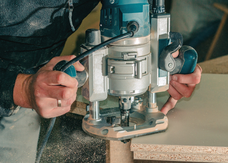 Carpentry hand router
