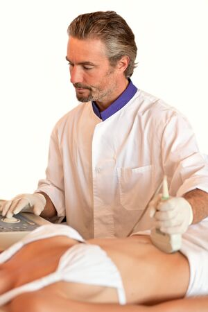 conducts: doctor conducts a procedure for diagnosis apparatus