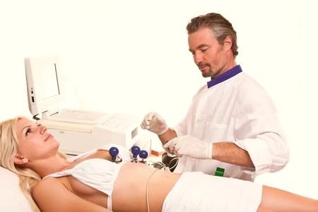 physiological: m�dico dedica al paciente el cuerpo del procedimiento de la investigaci�n fisiol�gica y el diagn�stico