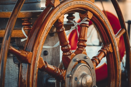 sailing ship: Equipment of yachts and sailing ships