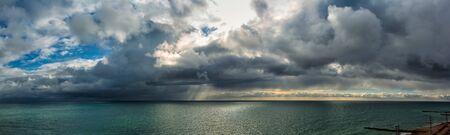 Panoramablick auf das Meer in Sotschi Standard-Bild