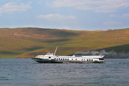 regularly: Foilcraft of type the Comet, regularly plying across lake Baikal