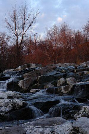 falling tide: White stones