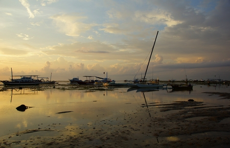 sanur: Bright morning on the shore of the ocean