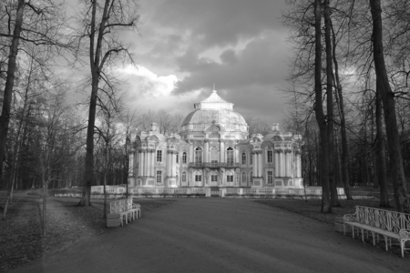 April evening in the Catherine Park, pavilion Hermitage