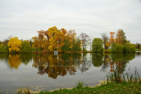 Autumn morning and the Great Pond in Tsarskoe Selo in the Catherine Park