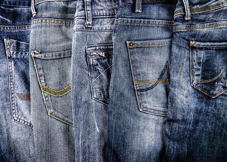 kleding, jeans, een paar op een rij
