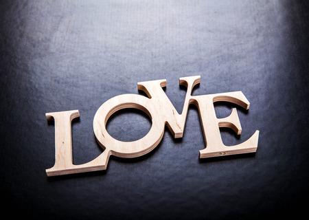 carta de amor: el amor de texto sobre fondo negro Foto de archivo