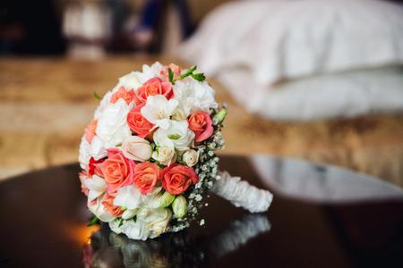 Bruiloft boeket met rozen.