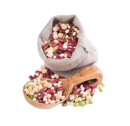 白い背景の上の豆の混合物 写真素材