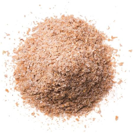 白で隔離される小麦ふすま