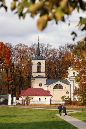spassky: Church at the entrance to Museum-Reserve IS Turgenev Spassky Lutovinovo. Russia. Orel region, Mtsensk District, the village Spasskoe- Lutovinovo