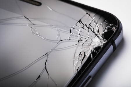 Modern Gadgets: Broken Phone Glass Banque d'images