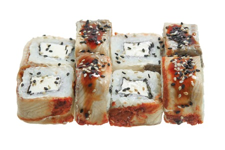 Sushi roll with eel, cheese and sesame. Isolated on white background. Traditional Japanese cuisine. Banque d'images - 125394366