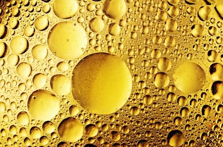 makro ropy klesne na vodě