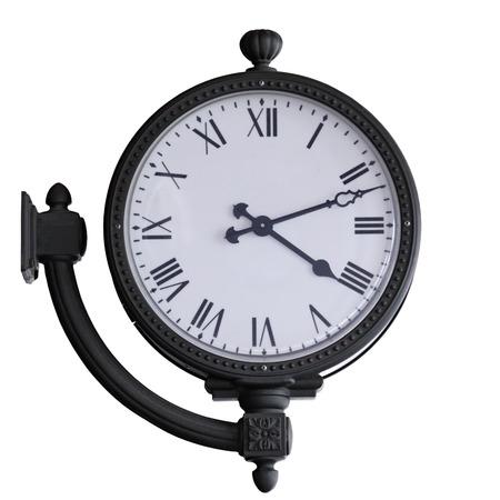 Montage: alte Uhr mit Wandmontage, isoliert auf weiss