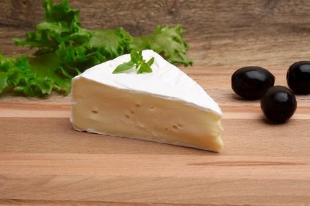camembert: cheese plate Camembert honey