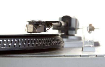 白い背景に古いプレーヤーとビニール蓄音機レコード 写真素材 - 9129542