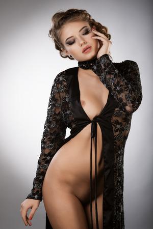 naked lady: beautiful woman in studio