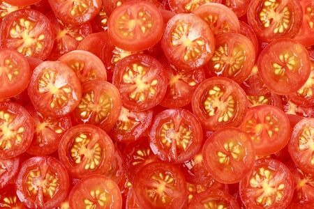 Tomatoes cut in half