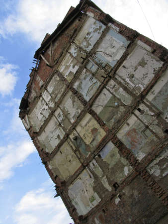 ruinous: Russia.  Norilsk. The Wall of ruinous building.