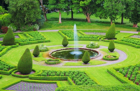 formal garden: Formal gardens in the Dunrobin Castle territory