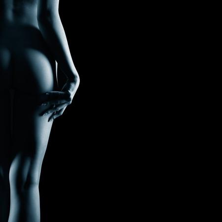 nackt: K�rperteil Portr�t der jungen nackten Frau mit sch�nen K�rper und wei� Franz�sisch Manik�re