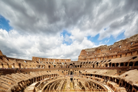 remarkable: Colosseum the most well-known and remarkable landmark of Rome and Italy