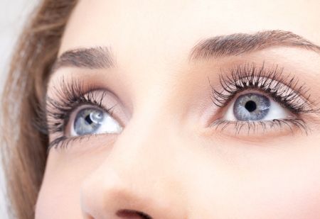 Close-up shot van de vrouw oog met dag make-up Stockfoto