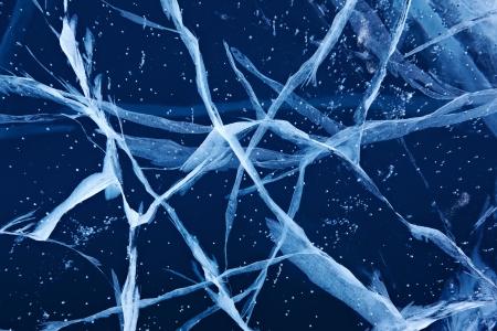 冬のバイカル湖の氷の質感をクラック