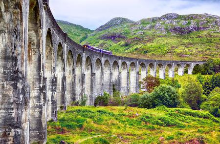 Weergave van Glenfinnan Viaduct, Schotland, hoofd van Loch Shiel