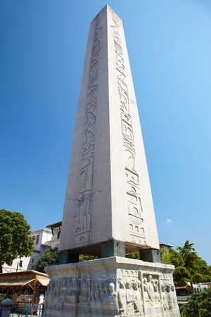 constantinople ancient: The Obelisk of Theodosius is the Ancient Egyptian obelisk of Pharaoh Thutmose III places in the Hippodrome of Constantinople, Turkey Stock Photo
