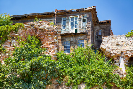 ancient near east: The old wooden house on the hill on the residential street in the Eminonu district of Istanbul
