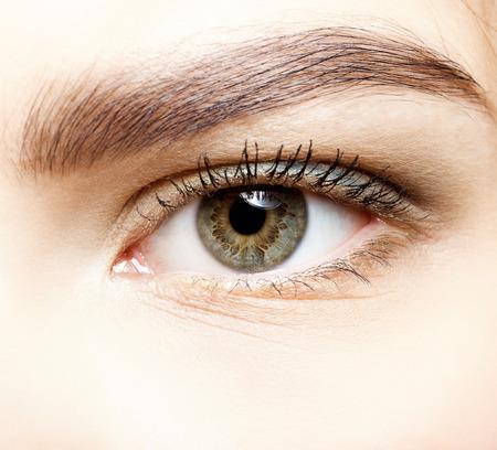 Close-up shot van vrouwelijke oog make-up