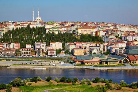 mohammedan: The view from the viewpoint on the Hill of Pierre Loti to the Golden Horn and Sutluce neighborhood in Istanbul, Turkey
