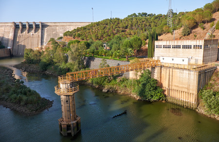 hydroelectric station: Pomarao Dam and hydroelectric power station on Chanza Reservoir near river Guadiana on the boundary between Portugal and Spain