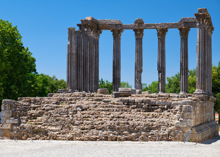 Temple of Diana, the Roman temple of Evora dedicated to the cult of Emperor Augustus - the most famous landmark of Evora. Portugal