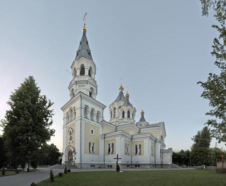 autonomia: La Iglesia Ortodoxa de Ucrania, homing Iglesia con los derechos de una amplia autonomía como parte del Patriarcado de Moscú.