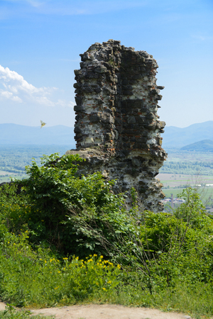 Ancient ruins of the castle of the town of Khust (Dracula Castle). a huge and powerful castle that performed a defensive function and played an important role in many battles. Western Ukraine, Europe Stock fotó