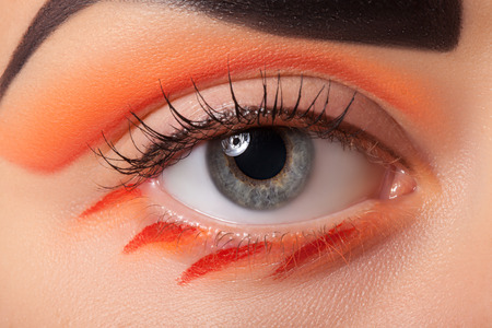 sch�ne augen: Eye makeup closeup. Very beautiful eyes. To advertise cosmetics for the eyes. Lizenzfreie Bilder
