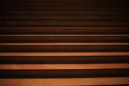 Mooie meisjes op de trap versierd met keramische tegels sicilië