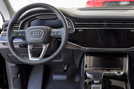 Russia, Izhevsk - September 11, 2019: Audi showroom. Interior of new Q7 Quattro. Sale of prestigious cars famous world brand. Modern transportation. Standard-Bild - 134500746