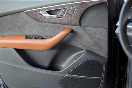 Russia, Izhevsk - September 11, 2019: Audi showroom. Details of car door new Q8 Quattro. Famous world brand. Modern transportation. Standard-Bild - 134500843