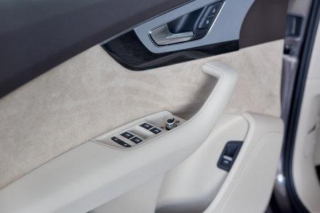 Russia, Izhevsk - September 11, 2019: Audi showroom. Details of car door new Q7 Quattro. Famous world brand. Modern transportation. Standard-Bild - 134500848