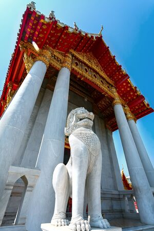 pediment: The pediment of the temple of the lion and the sculpture , Thailand, this Buddhist temple (Bangkok, Thailand)