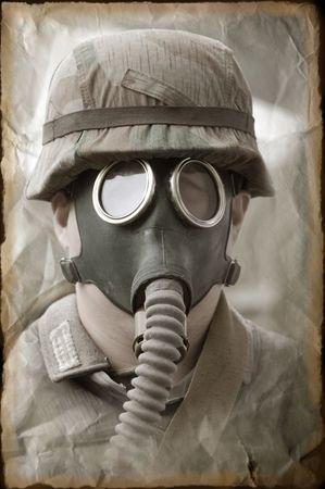 reenacting: Soldato tedesco in maschera antigas. WW2 reenacting Archivio Fotografico