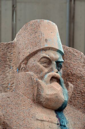 vandal: Ukrainian vandalism. (Ukrainian nazionalists have tradition to vandalise monuments)